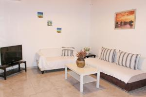 Villa Oceania, Aparthotels  Tourlos - big - 33