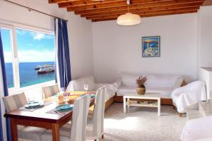 Villa Oceania, Aparthotels  Tourlos - big - 39