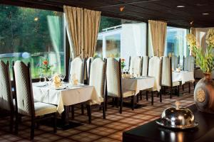 Kaysers Tirolresort – Wohlfühlhotel für Erwachsene, Hotels  Mieming - big - 24