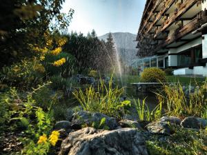 Kaysers Tirolresort – Wohlfühlhotel für Erwachsene, Hotels  Mieming - big - 34