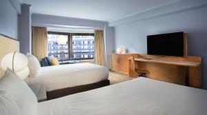 High Floor Double Room with Two Double Beds - Hearing Accessible