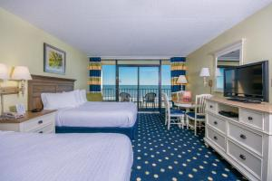 Queen Room with Two Queen Beds and Oceanfront View