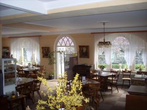 Gästehaus Viktoria, Inns  Bad Bertrich - big - 16