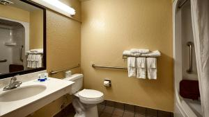 Queen Room with Two Queen Beds with Bath - Disability Access/Non-Smoking