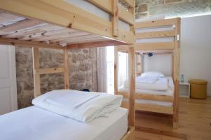 Habitación compartida con baño privado y vistas al río