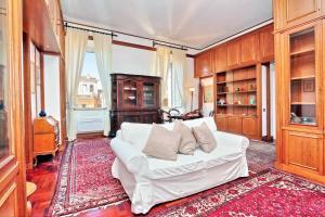Di Pietra Apartment - abcRoma.com