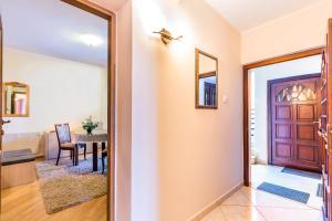 Villa Roses Apartments & Wellness, Apartmanok  Ičići - big - 83