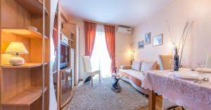 Villa Roses Apartments & Wellness, Apartmanok  Ičići - big - 74