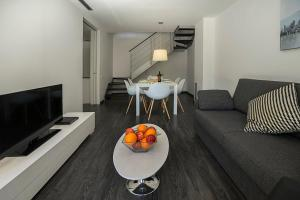 Four-Bedroom Apartment with Garden