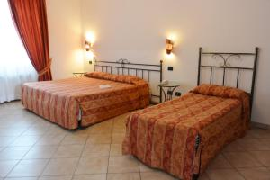 Hotel Ristorante Italia, Szállodák  Certosa di Pavia - big - 15