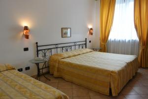 Hotel Ristorante Italia, Szállodák  Certosa di Pavia - big - 37
