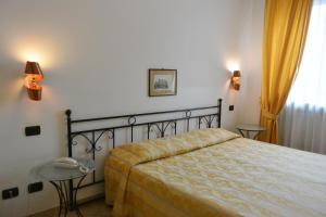 Hotel Ristorante Italia, Szállodák  Certosa di Pavia - big - 39