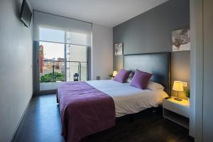 Deluxe Two-Bedroom Apartment (6 Adults)