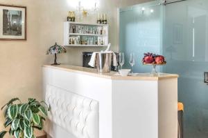 Trevi Rome Suite, Отели типа «постель и завтрак»  Рим - big - 103