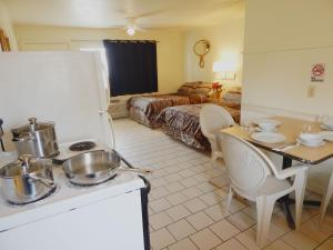 South Beach Inn Beach Motel, Motels  South Padre Island - big - 5
