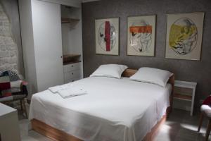 Villa Kudelik - Stone Story, Bed and breakfasts  Trogir - big - 2