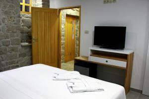 Villa Kudelik - Stone Story, Bed and breakfasts  Trogir - big - 5