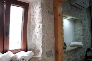Villa Kudelik - Stone Story, Bed and breakfasts  Trogir - big - 10