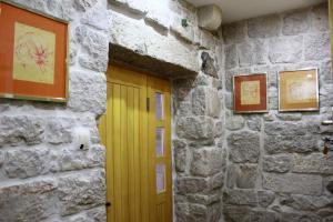 Villa Kudelik - Stone Story, Bed and breakfasts  Trogir - big - 14