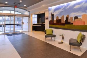 Country Inn & Suites by Radisson, Nashville Airport, TN, Hotels  Nashville - big - 25