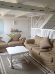Red Bird Farm, Bed & Breakfasts  Ystad - big - 15