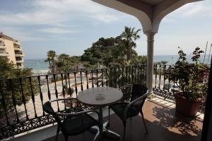 Hotel Casablanca, Отели  Альмуньекар - big - 1
