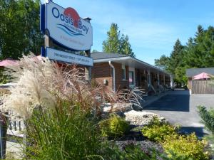 Oasis By The Bay Vacation Resort Accommodation Wasaga Beach