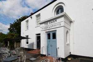 The Swan (29 of 75)