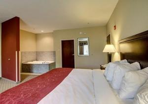 King Suite with Spa Bath - Disability Access
