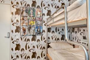 ドミトリールーム(6人部屋) 女性用 ベッド1名分