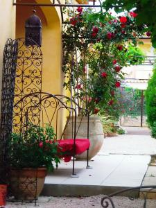 Aux Amandiers, Bed and breakfasts  Fréjus - big - 15