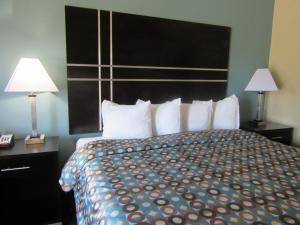 Executive Inn and Suites Tyler, Мотели  Tyler - big - 24