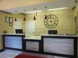 Executive Inn and Suites Tyler, Мотели  Tyler - big - 20