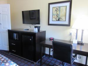 Executive Inn and Suites Tyler, Мотели  Tyler - big - 17