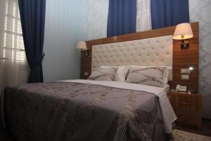 Hotel Boutique Restaurant Gloria, Hotels  Tirana - big - 13