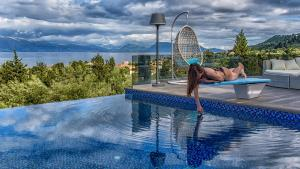 Luxurious Villa Kastro with Salt Water Swimming Pool, Vily  Nikiana - big - 61