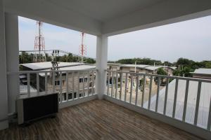 Living by Grace, Apartments  Thalang - big - 7