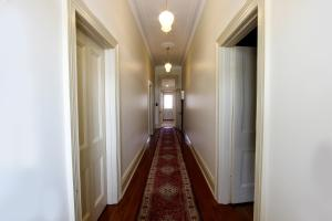 Bairnsdale Bed and Breakfast, Bed and breakfasts  Bairnsdale - big - 18