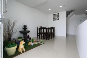 Living by Grace, Apartments  Thalang - big - 25