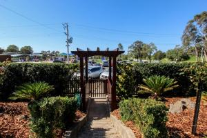 Bairnsdale Bed and Breakfast, Bed and breakfasts  Bairnsdale - big - 22