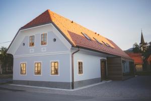 Škrabčeva domačija, Aparthotels  Ribnica - big - 1