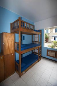 Bed in 9-Bed Mixed Dormitory Room with Air Conditioning