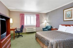 Deluxe King Room - Non-Smoking/Pet Friendly