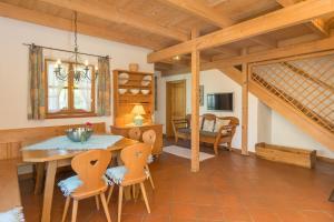 Ferienhaus Alp Chalet, Prázdninové domy  Kochel - big - 37