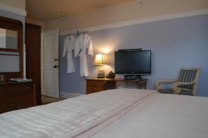 Beach Spa Bed & Breakfast, Bed and Breakfasts  Virginia Beach - big - 18