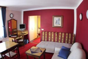 Hotel Bavaria - First Library Hotel, Hotels  Trogir - big - 9