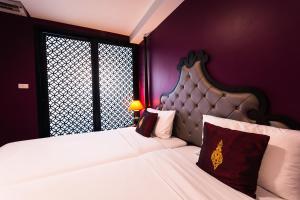Violet Twin Room