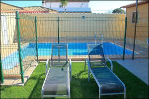 Bungalow Curro Pareja 131, Dovolenkové domy  Conil de la Frontera - big - 6