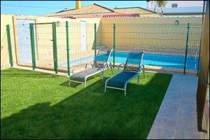 Bungalow Curro Pareja 131, Dovolenkové domy  Conil de la Frontera - big - 11
