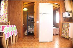 Bungalow Curro Pareja 131, Dovolenkové domy  Conil de la Frontera - big - 25